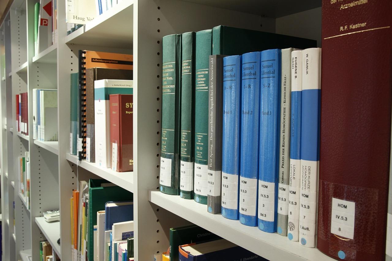 books-408220_1280-2