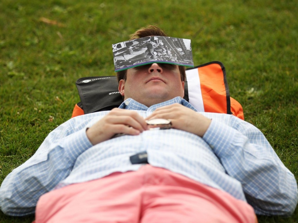 napping-sleep-reading-park-grass-6