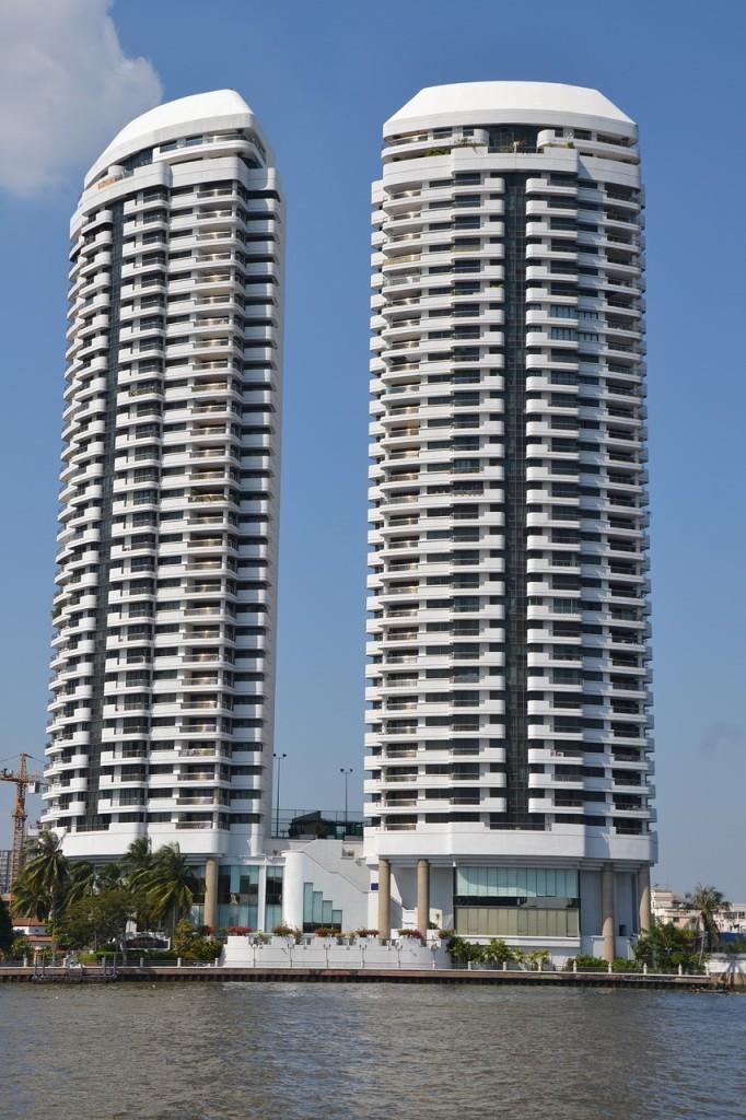 apartments-1123185_1280