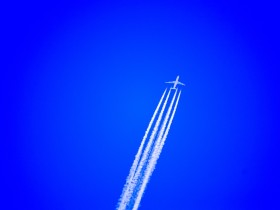 airplane-897048_1280