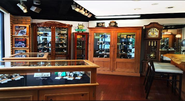 the best attitude 25a22 1049c 正規店」と「ビックカメラなどの家電量販店」どちらで高級腕時計 ...