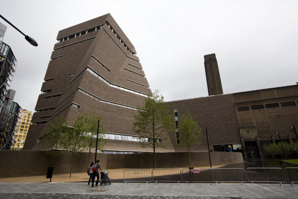 18-the-new-switch-building-at-londons-tate-modern-was-designed-in-an-eye-catching-flame-like-shape-by-herzog-and-de-meuron