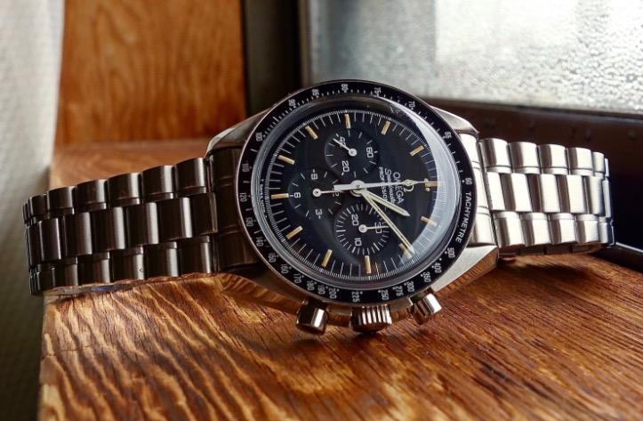 ビジネスマン高級腕時計オメガ