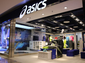 asics_store_1